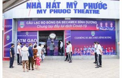 Chương trình ATM Gạo - Chung tay đẩy lùi đại dịch Covid-19 được tổ chức tại Nhà hát Mỹ Phước
